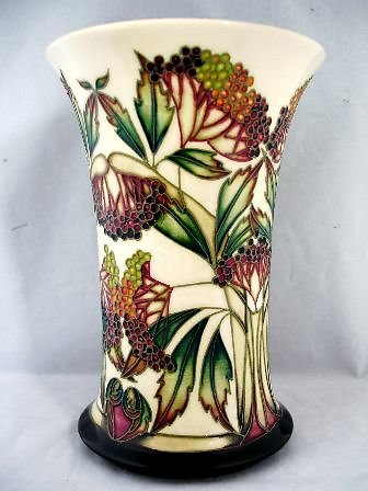 CATALOGUE LIMITED EDITIONS. Elderberry vase 6239