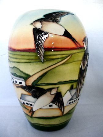 CATALOGUE LIMITED EDITIONS. Swifts vase 6303