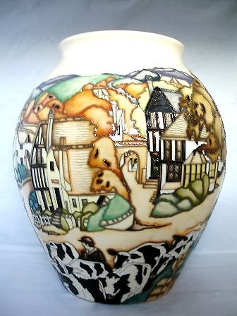 CATALOGUE LIMITED EDITIONS. Off to Market vase 6339